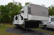 2010 Carriage Carri-Lite Fifth Wheel
